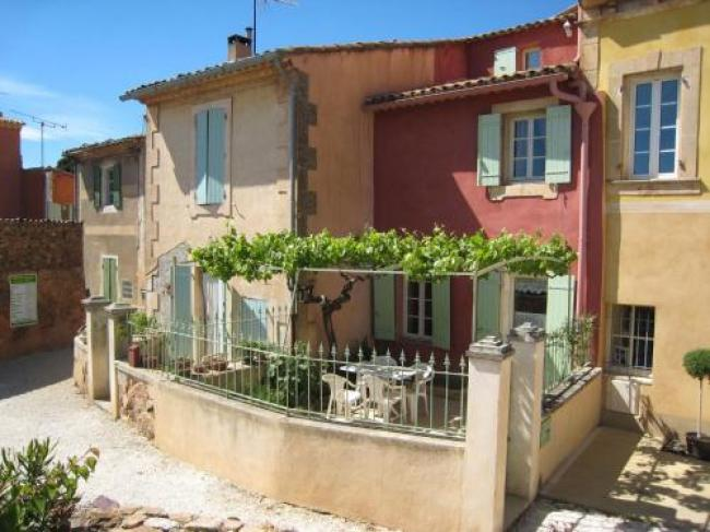 Vintage Holiday Home in Provence with Terrace-La-Burliere