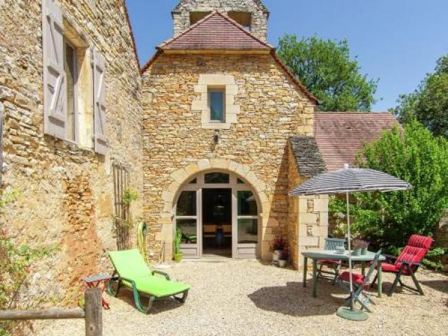 Cozy Cottage in Saint-Aubin-de-Nabirat with Swimming Pool-La-Vieille-Eglise