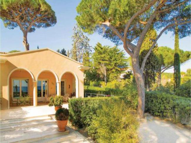 Two-Bedroom Holiday home Sainte Maxime 0 03-Two-Bedroom-Holiday-home-Sainte-Maxime-0-03