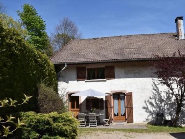 Peaceful Holiday Home near Forest in Saulxures-sur-Moselotte-Les-Genets