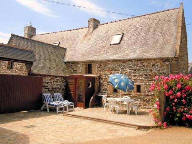 House with 2 bedrooms in TredrezLocquemeau with furnished garden and WiFi-Holiday-home-Kerham-Huellan