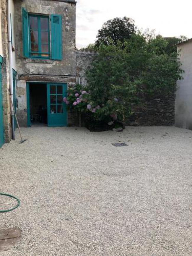 Beautifully renovated cottage in the heart of Vouvant-Beautifully-renovated-cottage-in-the-heart-of-Vouvant