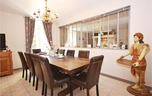 Four-Bedroom Holiday Home in Sauzet-Four-Bedroom-Holiday-Home-in-Sauzet