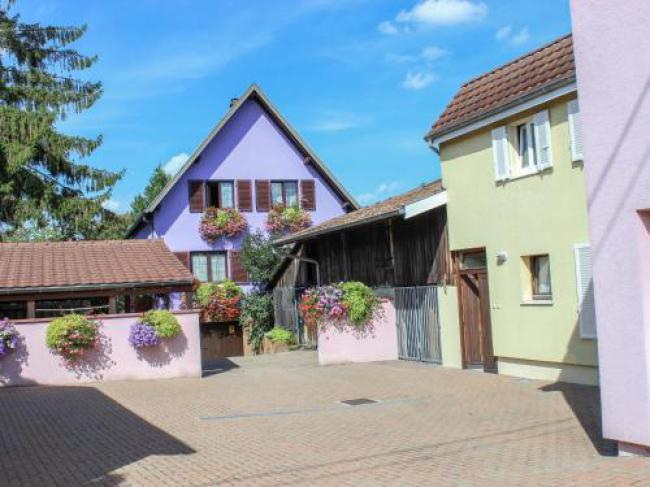 Apartment Résidence jaune et rose.3-Apartment-Residence-jaune-et-rose3