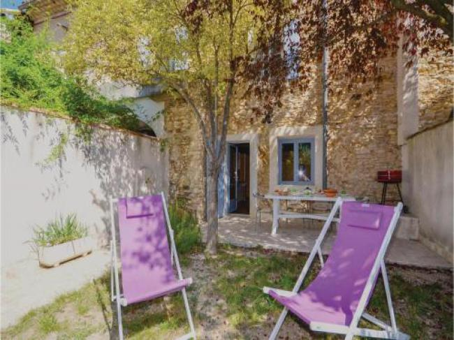 Three-Bedroom Holiday home Villes-sur-Auzon with a Fireplace 09-Three-Bedroom-Holiday-home-Villes-sur-Auzon-with-a-Fireplace-09