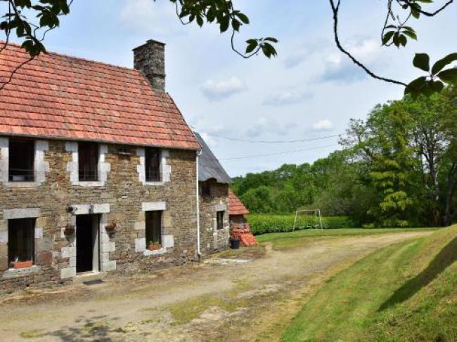 Maison De Vacances - Sourdeval-Les-Bois 1-Maison-De-Vacances--Sourdeval-Les-Bois-1