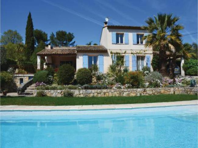 Three-Bedroom Holiday Home in Grasse-Three-Bedroom-Holiday-Home-in-Grasse