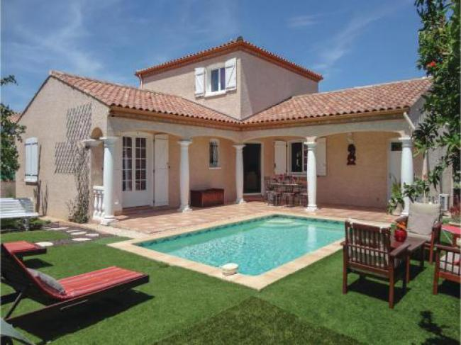 Three-Bedroom Holiday Home in Servian-Three-Bedroom-Holiday-Home-in-Servian