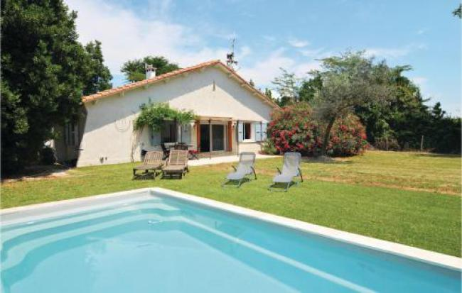 Four-Bedroom Holiday Home in Le Sambuc-Four-Bedroom-Holiday-Home-in-Le-Sambuc