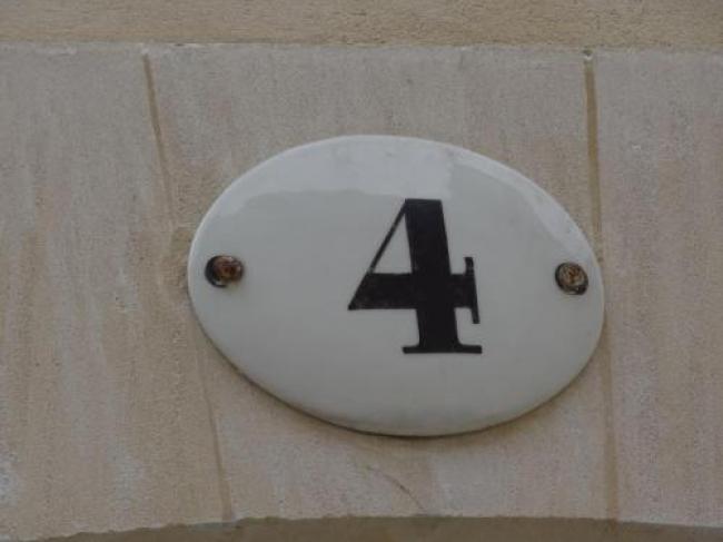 Le 4-Le-4