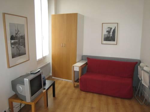 Apartment Poisson 1-Apartment-Poisson-1