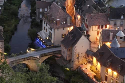 Les Maisons du Pont-Les-Maisons-du-Pont