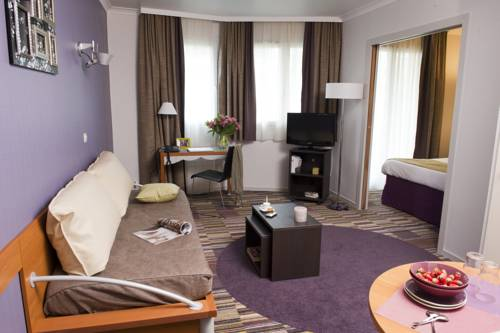 Adagio City Aparthotel Parc La Défense-Aparthotel-Adagio-La-Defense-Le-Parc