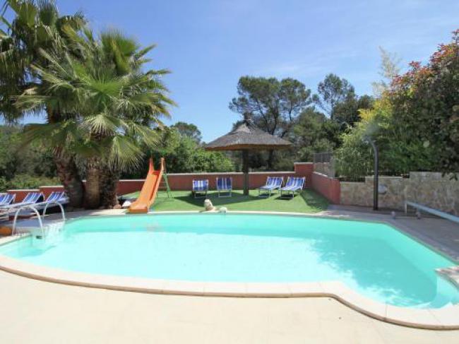Modern Villa in Roquebrune-sur-Argens with Barbecue-Petit-Palmeraie