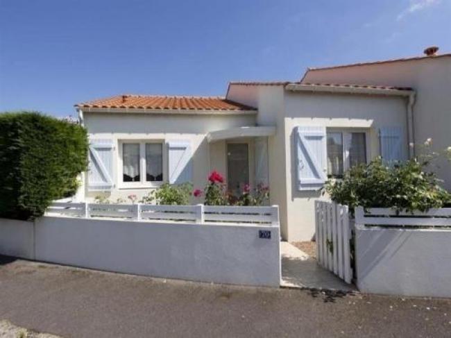 Villa Maisonnette Dans Residence Avec Piscine-Villa-Maisonnette-Dans-Residence-Avec-Piscine