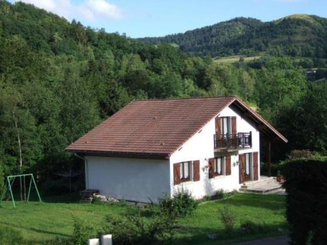 Beautiful Chalet in Le Menil with Private Garden-Le-Menil