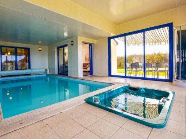 Luxurious Villa in Moelan-sur-Mer with Jacuzzi-Villa-Goeland