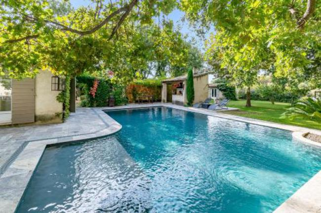 Rustical villa with swimming pool, jacuzzi and gardeneasyBNB-Rustical-villa-with-swimming-pool-jacuzzi-and-gardeneasyBNB