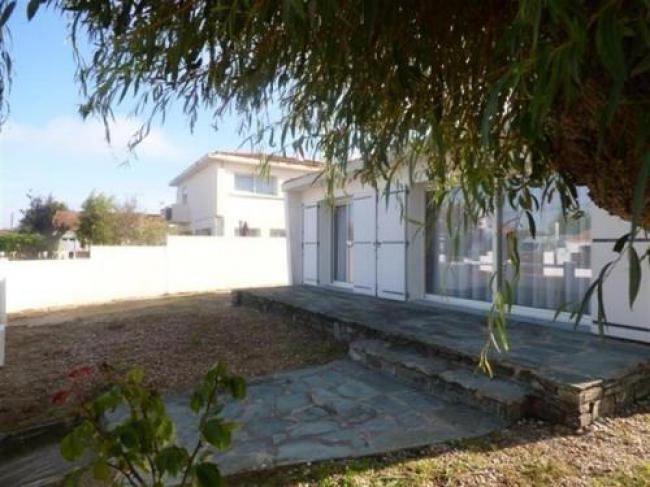 House St gilles croix de vie - maison de vacances à 600 m de la plage de boisvinet 4-House-St-gilles-croix-de-vie--maison-de-vacances-a-600-m-de-la-plage-de-boisvinet-4