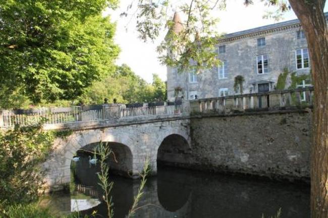 Château atypique proche Bordeaux-Chateau-atypique-proche-Bordeaux