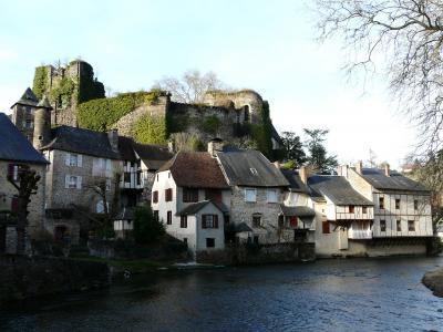 Tourisme Ségur le Château